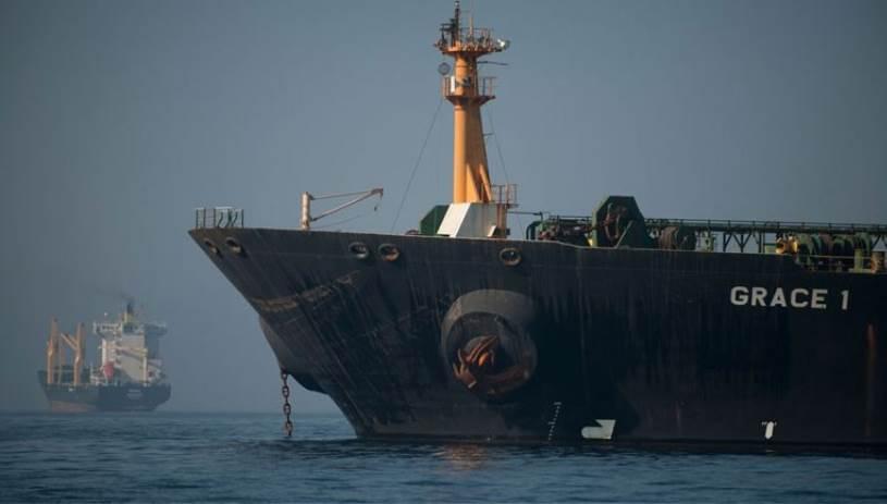 Θρίλερ με το τάνκερ που κατευθύνεται Καλαμάτα- Η προειδοποίηση των ΗΠΑ & η δήλωση Πλακιωτάκη