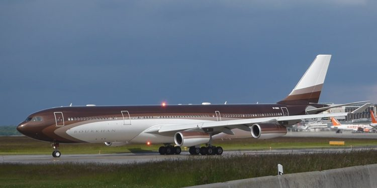 Το αεροπλάνο του πλουσιότερου Ρώσου στα Χανιά