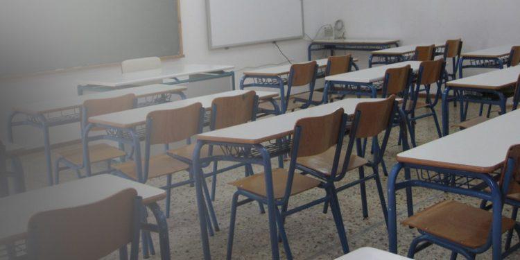 Σοκ σε δημοτικό σχολείο της Ιεράπετρας – Έσυρε τη δασκάλα του από τα μαλλιά