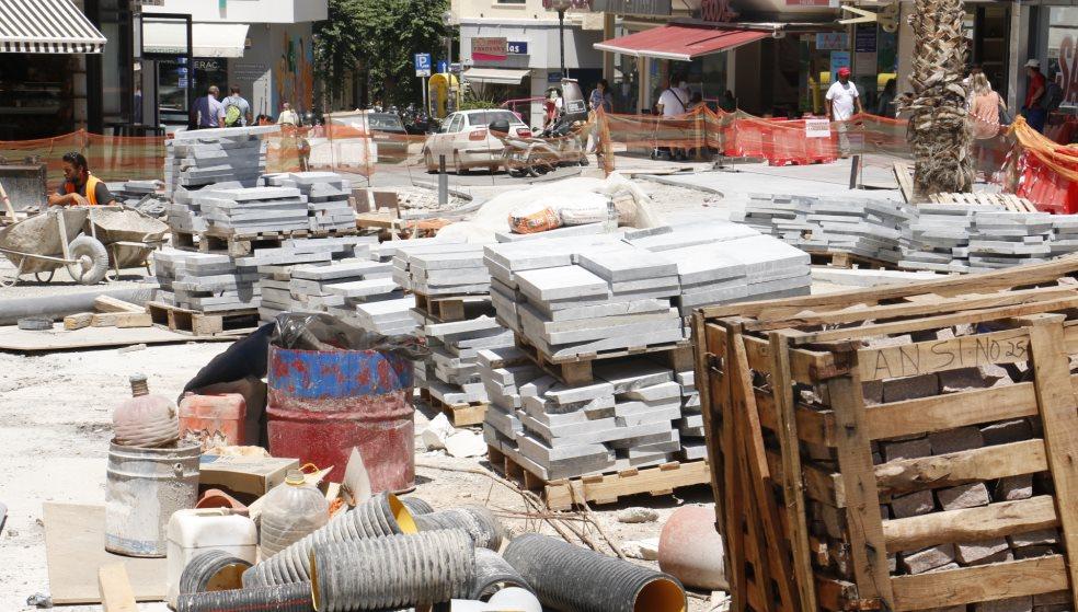 «Σιγή ιχθύος» από το Δήμο μετά τις αποκαλύψεις για την ανάπλαση στο κέντρο