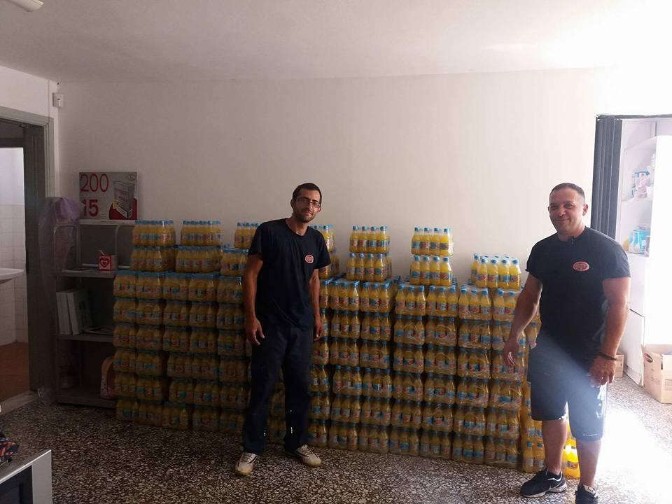 Η «Κιτρινη Αποστολή» μοιράζει σε μαθητές 2600 πορτοκαλάδες- Η συμβολή μιας... Ηρακλειώτισσας (pics)