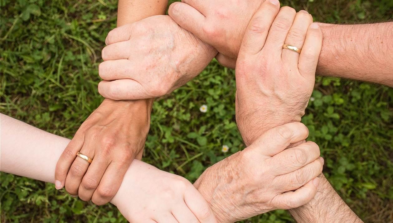 Οικογένεια με 3 παιδιά στο δρόμο - Έκκληση για βοήθεια