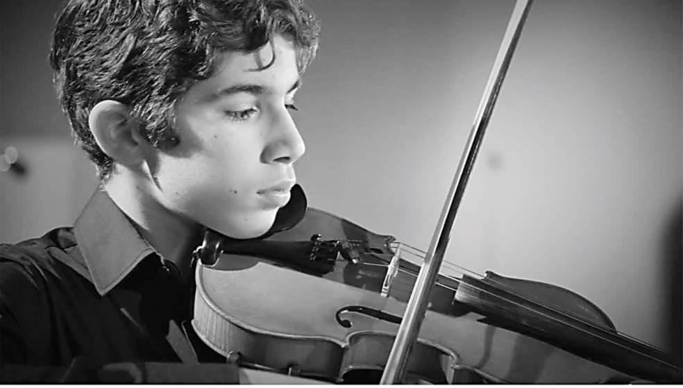Ορφέας Ζαϊμάκης: Ο έφηβος Κρητικός που ενθουσίασε με το βιολί του το κοινό