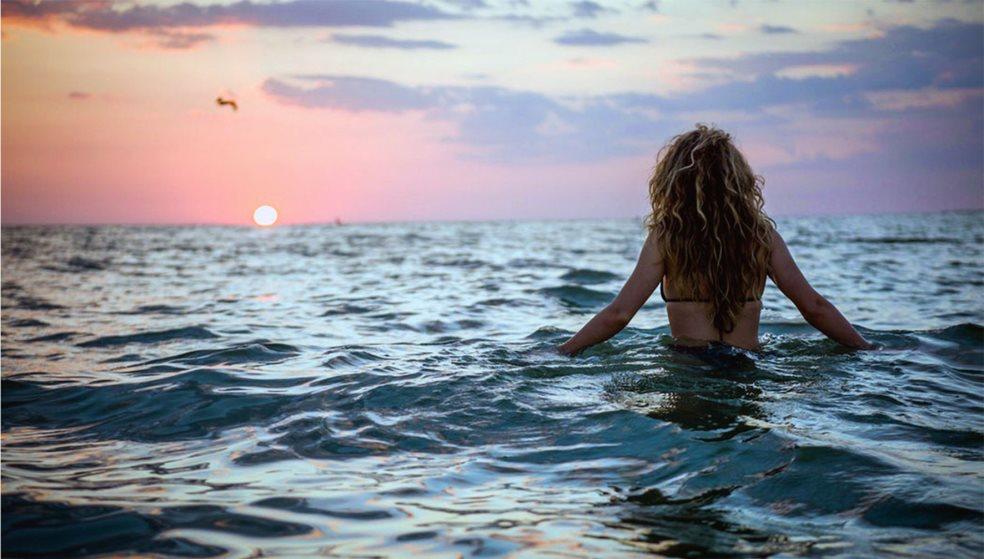 Τα... χρειάστηκε κολυμβήτρια σε παραλία του Ηρακλείου