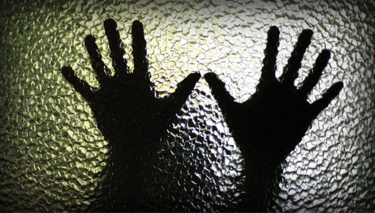 Επιμένει ότι δεν βίασε την τουρίστρια ο 19χρονος - Απολογείται τη Δευτέρα