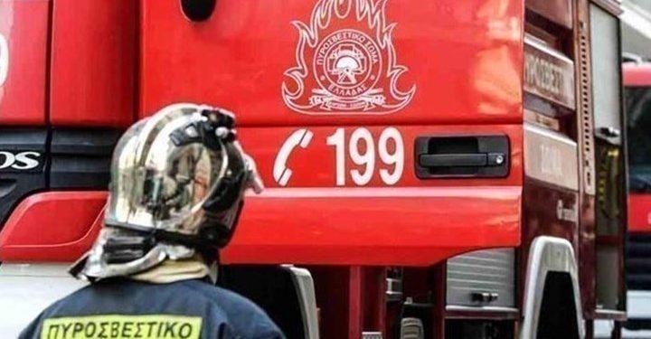 Φωτιά σε υπαίθριο πάρκινγκ στο Ηράκλειο