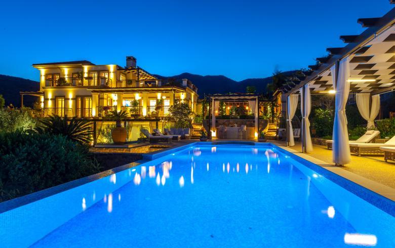 Κρήτη: Ένα παλάτι ... για λίγους στην Eλουντα- Πόσο κοστίζει (pics)