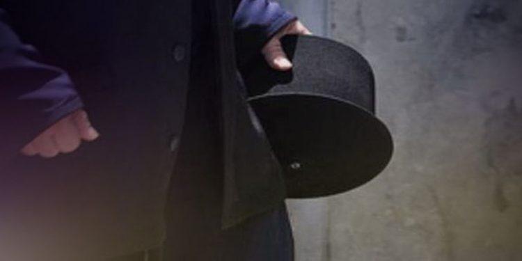 Μεθυσμένος ιερέας επιτέθηκε σε αστυνομικούς