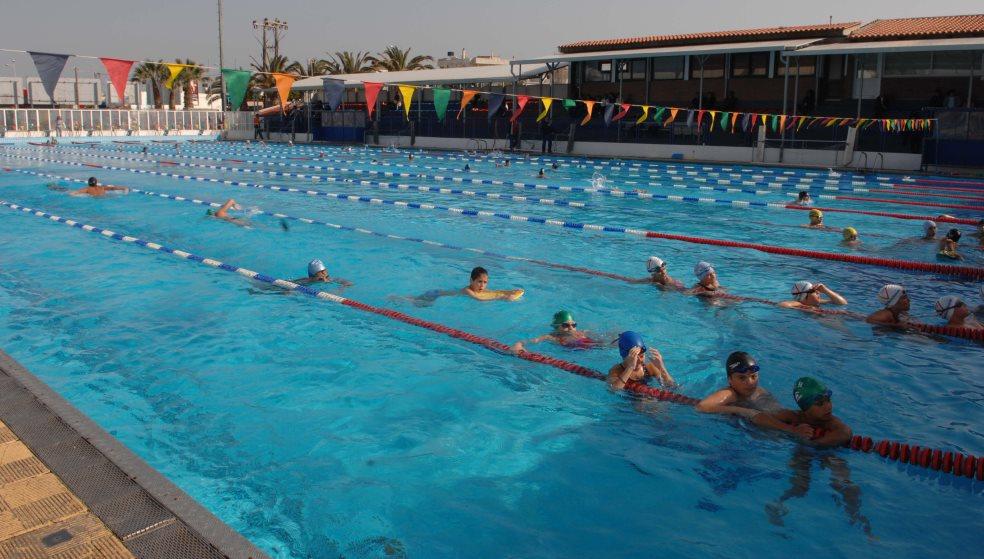 Οι γονείς θα... πληρώσουν το λίφτινγκ στο κολυμβητήριο