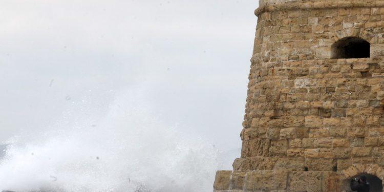 Θυελλώδεις άνεμοι στο Αιγαίο – Προσοχή λέει το λιμεναρχείο