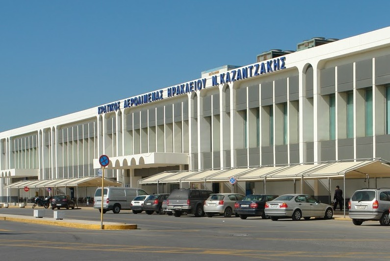 Πλησιάζει η νέα τουριστική περίοδος αλλά το αεροδρομίο Ηρακλειου παραμένει στα...ίδια χάλια