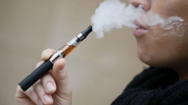 Τσιγάρο: Όπου απαγορεύεται το κανονικό, απαγορεύεται και το ηλεκτρονικό