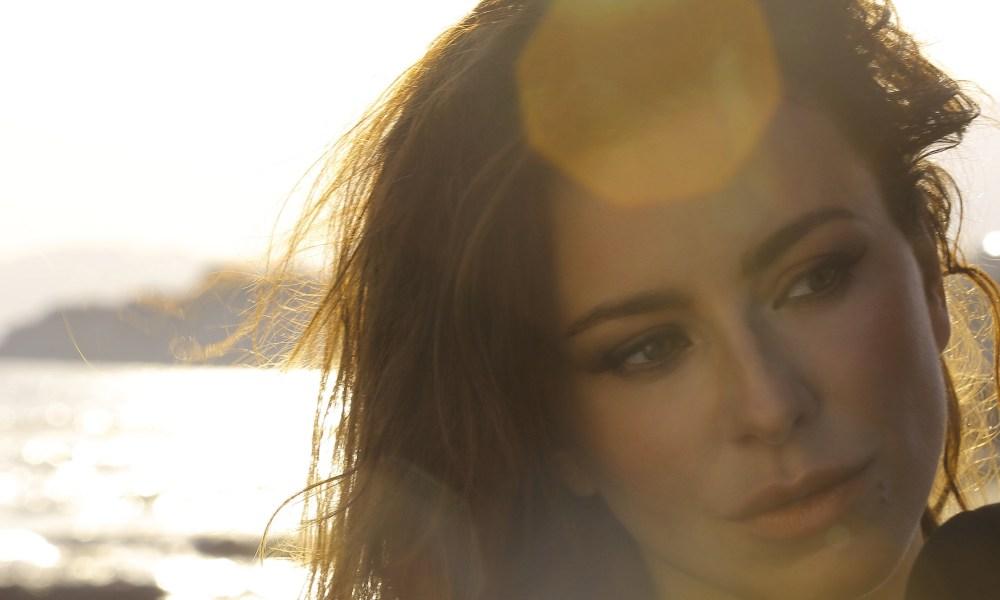 Σαρώνει το βίντεο κλιπ της Ani Lorak με μοναδικές εικόνες από την Κρήτη (Βίντεο)