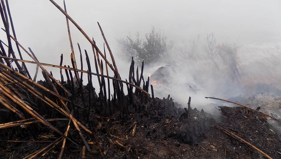 Φωτιές σε 4 διαφορετικά σημεία σήμαναν συναγερμό στην Πυροσβεστική