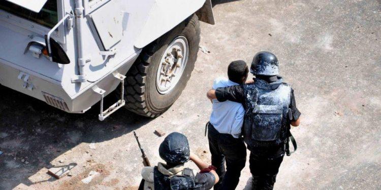 Συνελήφθη μωρό 18 μηνών για το πραξικόπημα του 2013!