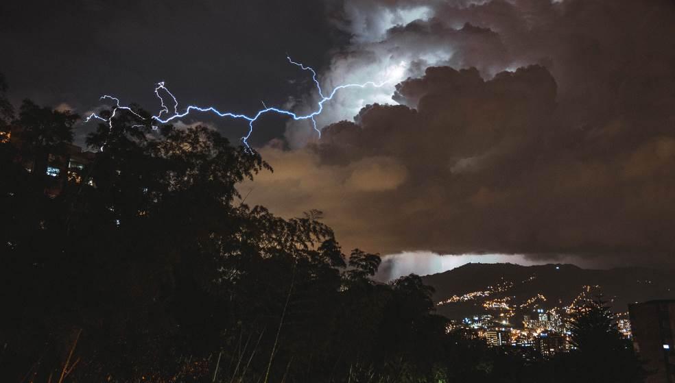 Καιρός: Έκτακτο δελτίο επικίνδυνων καιρικών φαινομένων – Τι θα γίνει στην Κρήτη