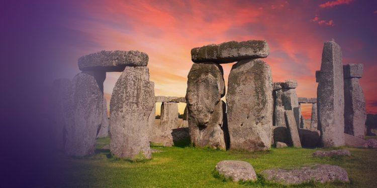 Κατασκευασμένο από αρχαίους Έλληνες το Στόουνχετζ; Μινωικά σύμβολα στο αγγλικό μνημείο