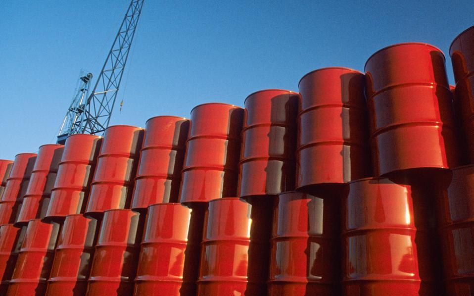 Κατά 160.000 βαρέλια τη μέρα μειώνει την παραγωγή πετρελαίου το Ιράκ