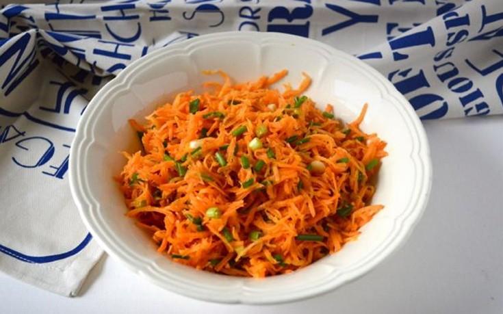 Σαλάτα με καρότο και πορτοκάλι