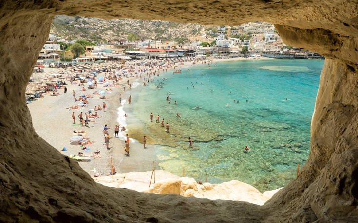 Μάταλα: «Ξεσηκώθηκε» η παραλία κυνηγώντας επιτήδειο - Τον… εγκλώβισαν σε σπηλιά