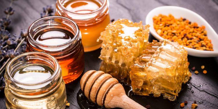 Συγκεντρώνουν μέλι για το «Χαμόγελο του παιδιού»