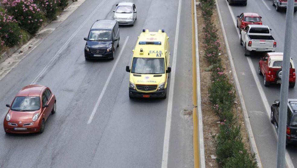 Τροχαίο με τραυματία δικυκλιστή στην Λ. Κνωσού