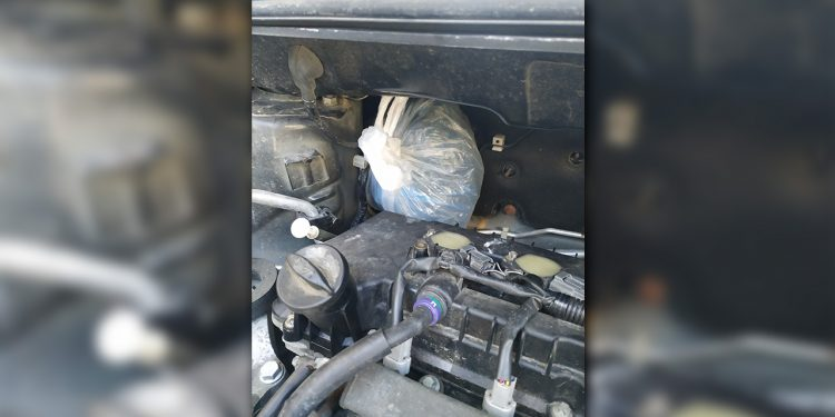 Μέσα στη μηχανή του αυτοκινήτου είχαν κρύψει το… χασίς