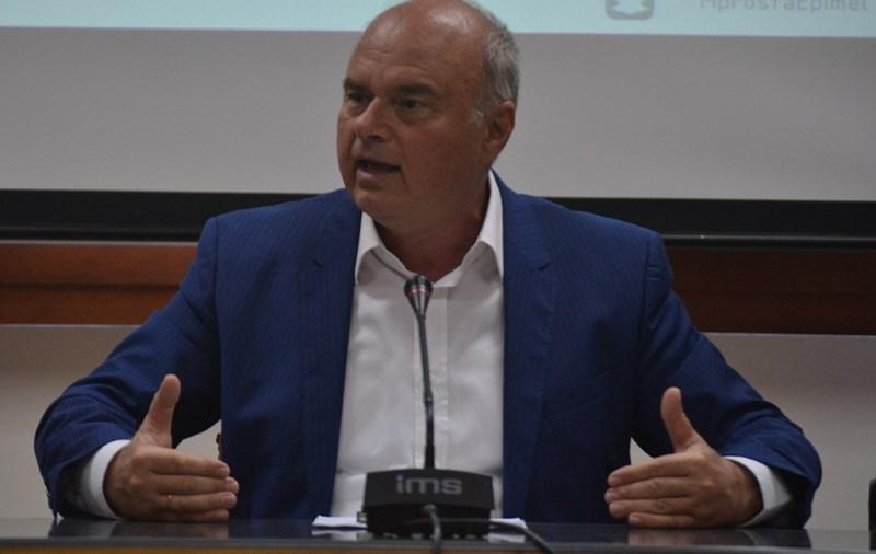 Παρουσιάζει το προγραμμα και τους υποψήφιους ο Μανώλης Αλιφιεράκης