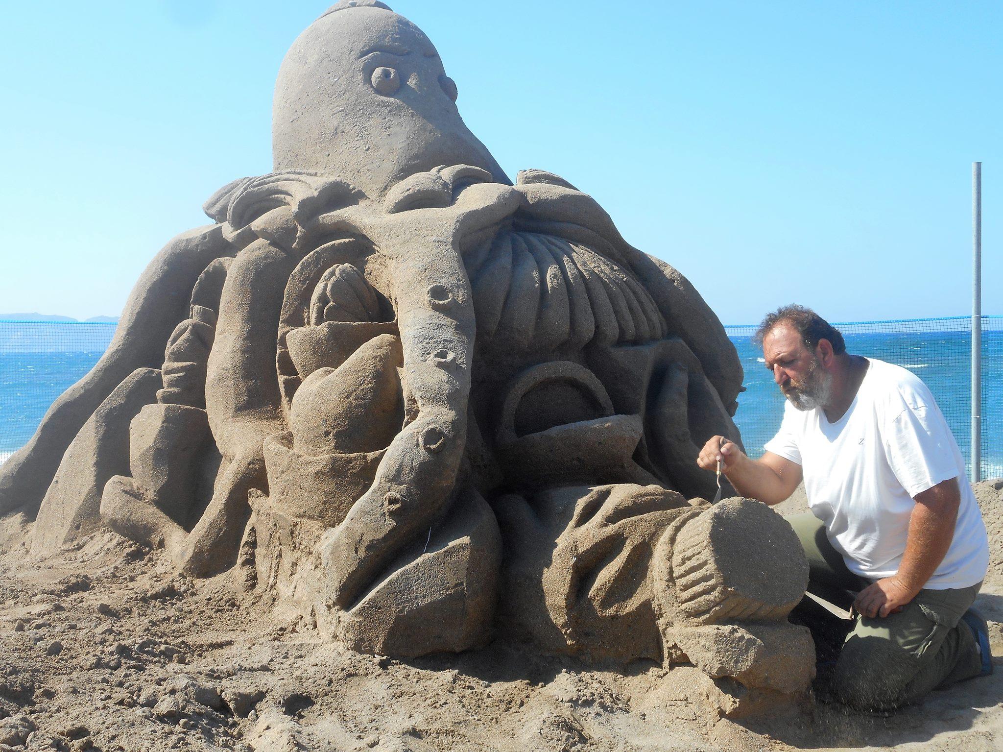 Φεστιβάλ γλυπτικής στην άμμο για 3η χρονιά στην Αμμουδάρα (pics+vids)