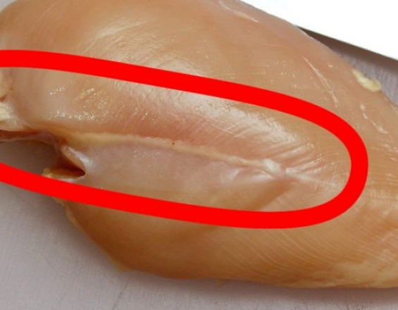 Τι σημαίνει αν δείτε λευκές ραβδώσεις στο κοτόπουλο