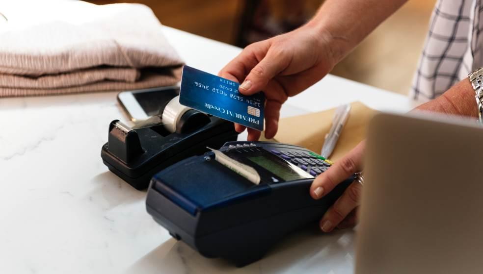 Τι αλλάζει από σήμερα σε πληρωμές με κάρτες - Όλα όσα πρέπει να γνωρίζουμε