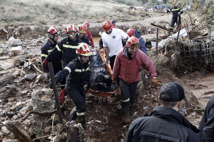 Δυτ. Αττική: Βρήκαν έναν ακόμη νεκρό -20 τα θύματα της πλημμύρας