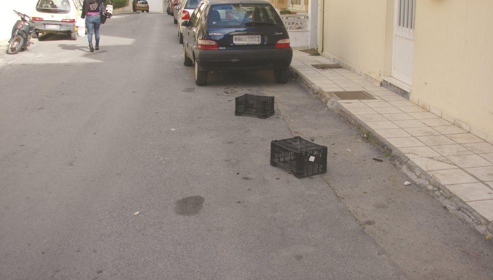 Ακόμα και καναπέ βάζουν για να κρατήσουν μια θέση πάρκινγκ