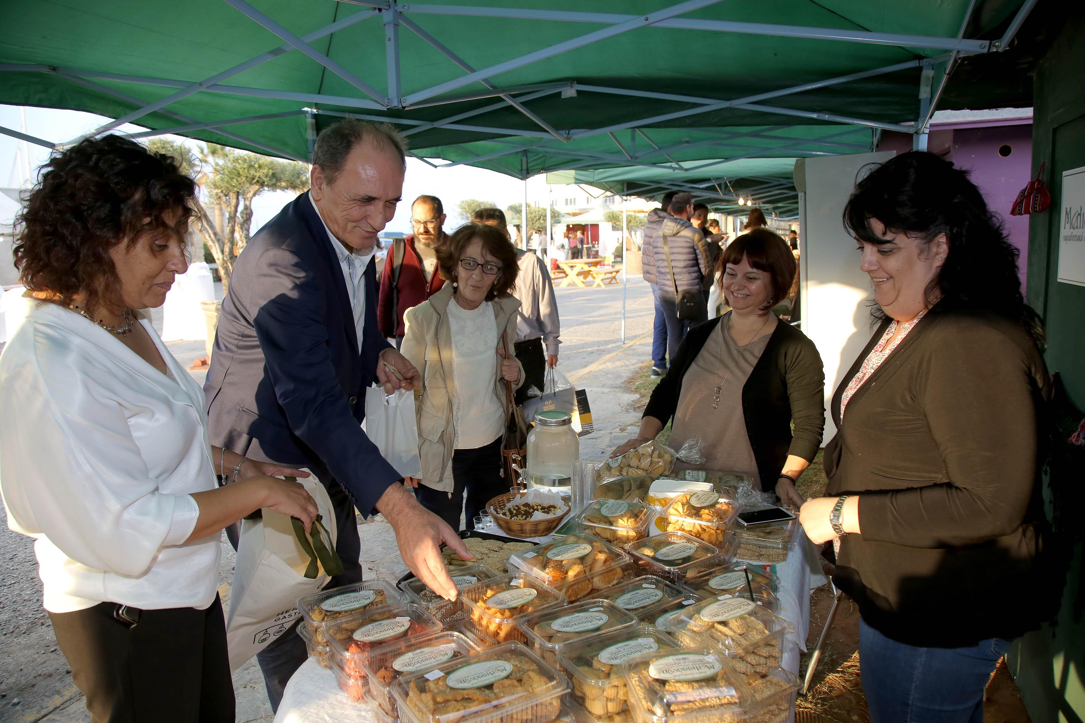 """Ο Δήμαρχος Ηρακλείου και ο Υπουργός Περιβάλλοντος στις """"Ημέρες Γαστρονομίας"""""""
