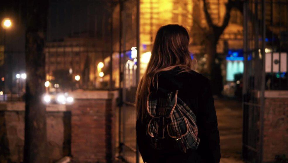 Νύχτα τρόμου: Νεαρός παρενοχλούσε και βιντεοσκοπούσε δυο 16χρονες