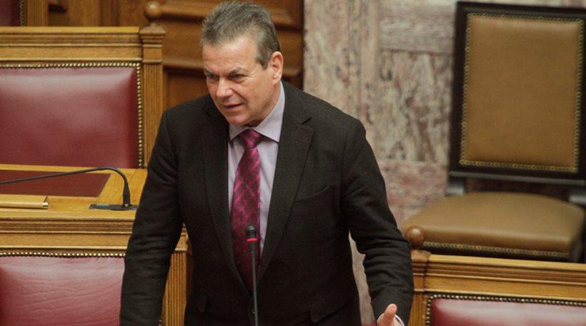 Πετρόπουλος: Περπατάω στο δρόμο και οι ελεύθεροι επαγγελματίες μου λένε «σωθήκαμε» (vid)