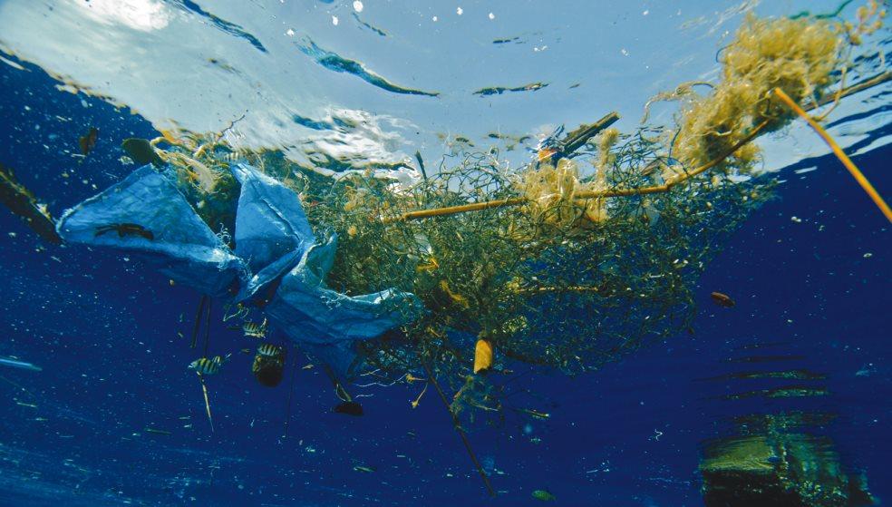 Θαλάσσια ρύπανση στο λιμάνι κινητοποίησε τους λιμενικούς