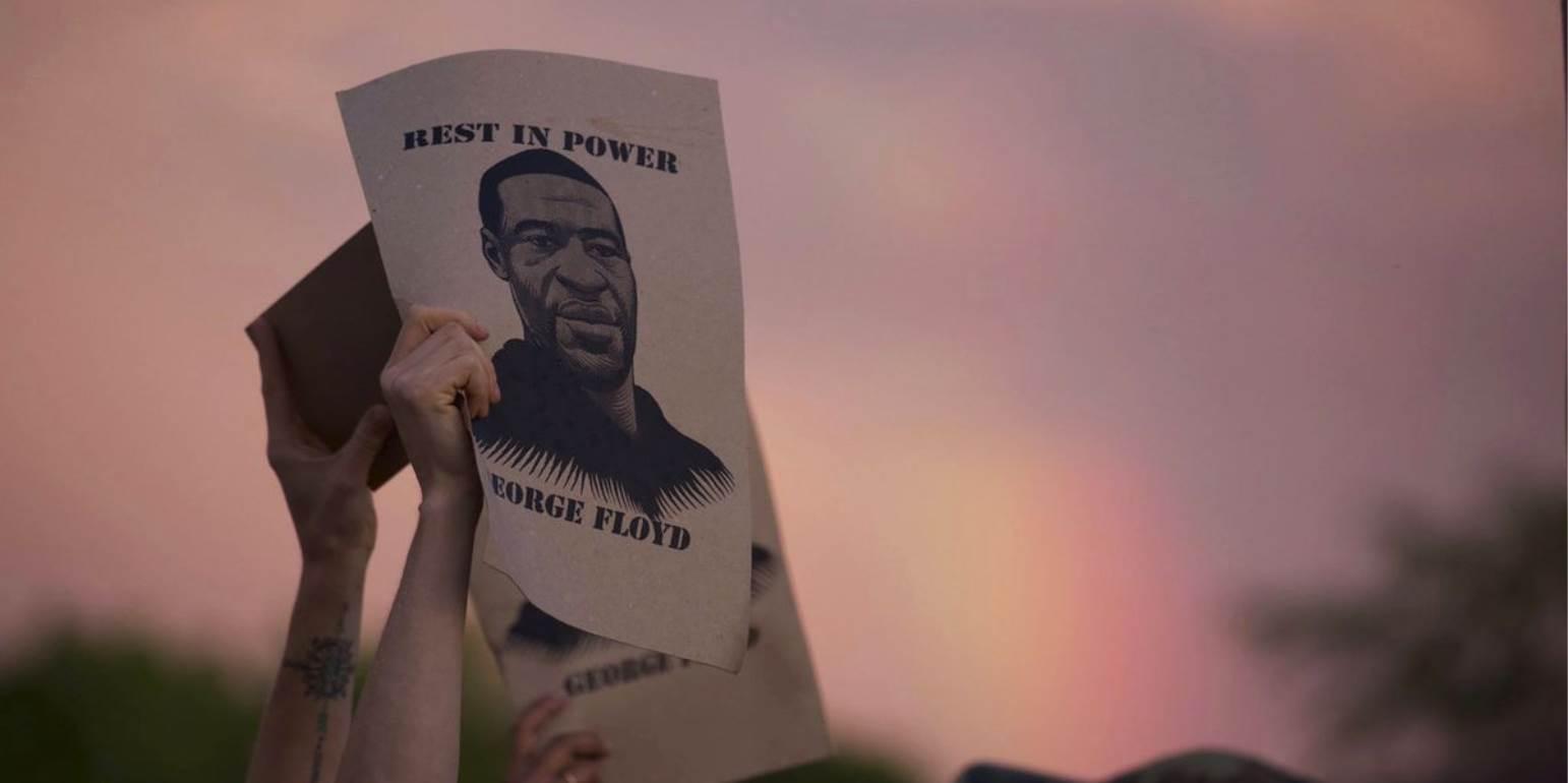 Δολοφονία Τζορτζ Φλόιντ: Συγκίνηση στην κηδεία του Αφροαμερικανού
