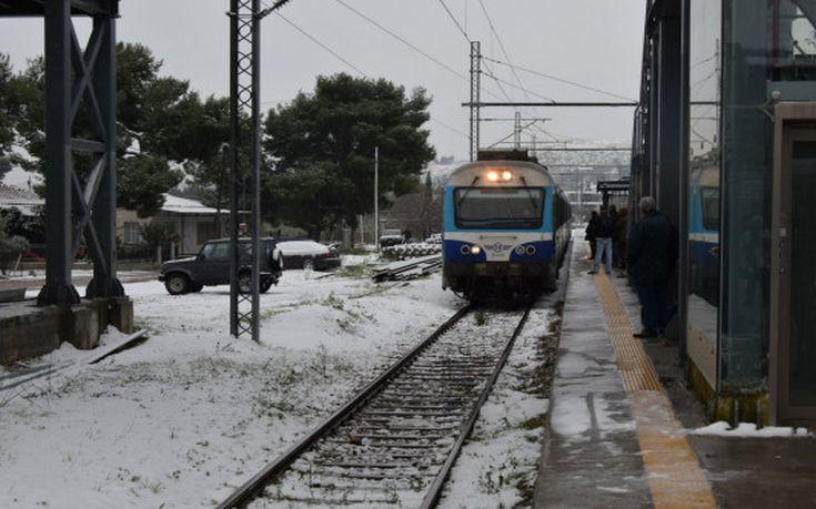 Ταλαιπωρία για εκατοντάδες επιβάτες τρένων που ακινητοποιήθηκαν