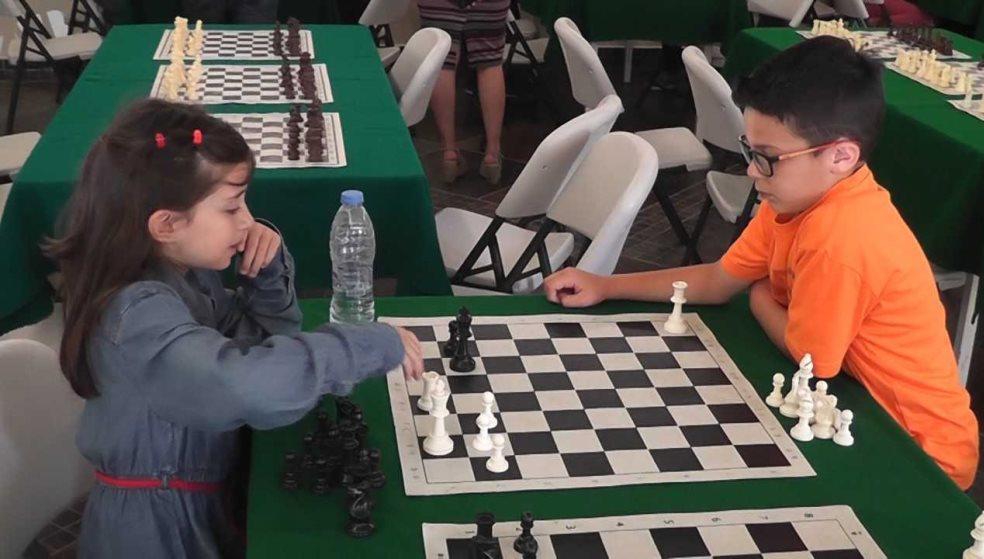 Εντυπωσίασαν οι λιλιπούτειοι μαθητές στο μαθητικό τουρνουά σκάκι στο Ρέθυμνο