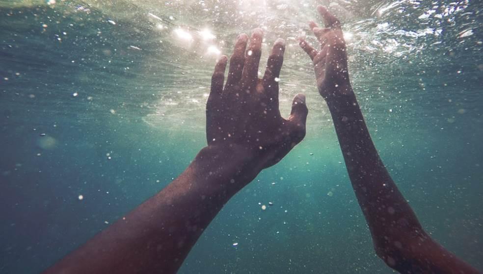 Νεκρός τουρίστας - Άφησε στην θάλασσα την τελευταία του πνοή μετά από φαγητό