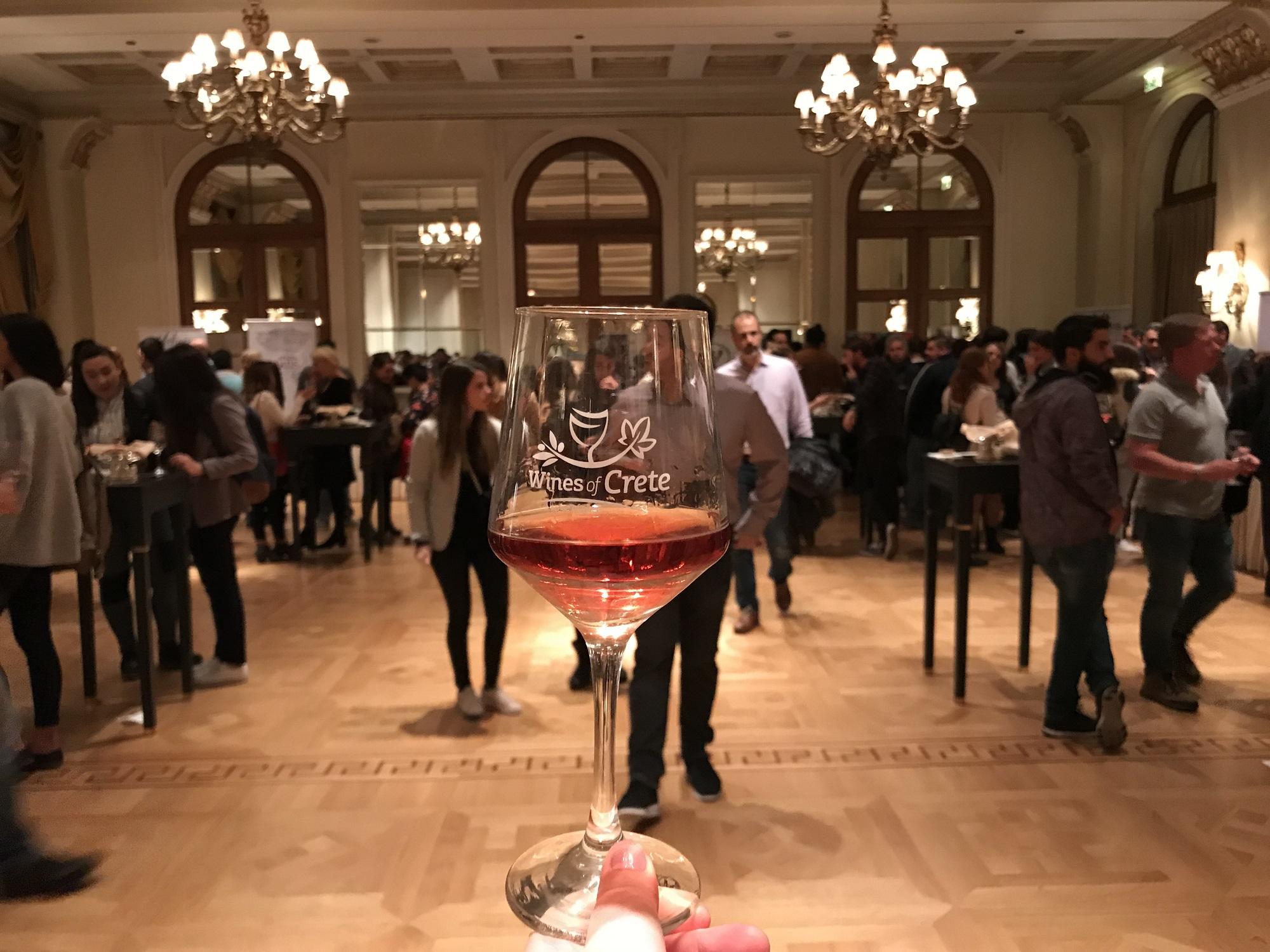 Ενθουσιασαν τα κρητικά κρασιά- Με μεγάλη επιτυχία η έκθεση ΟιΝοτικά στην Αθήνα (pics)