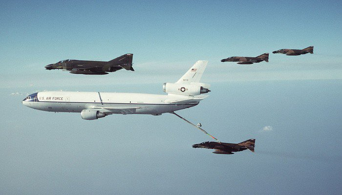 Πτήσεις ανεφοδιασμού και επιτήρησης από την βάση της Σούδας (φωτο)