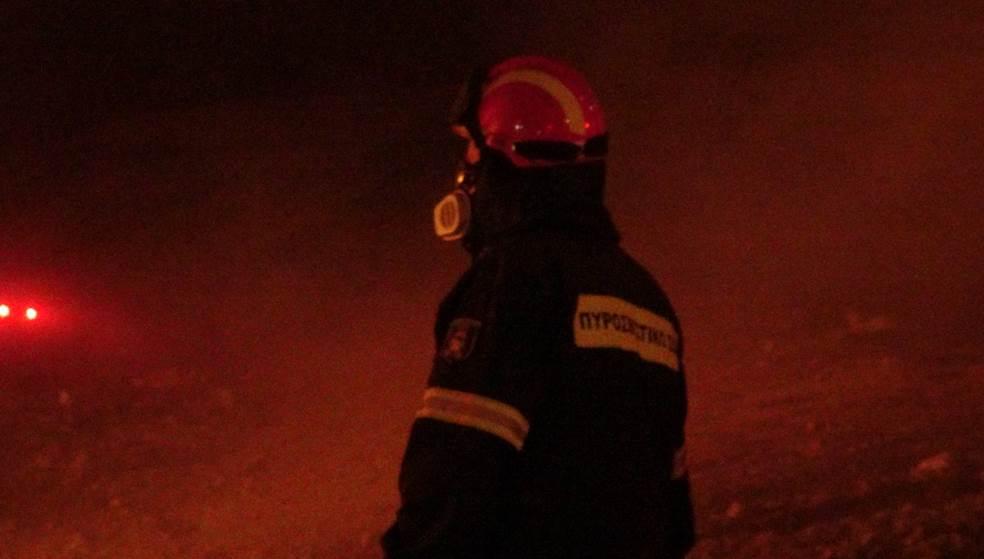 Φωτιά κατέστρεψε τροχόσπιτο στη Μεσαρά