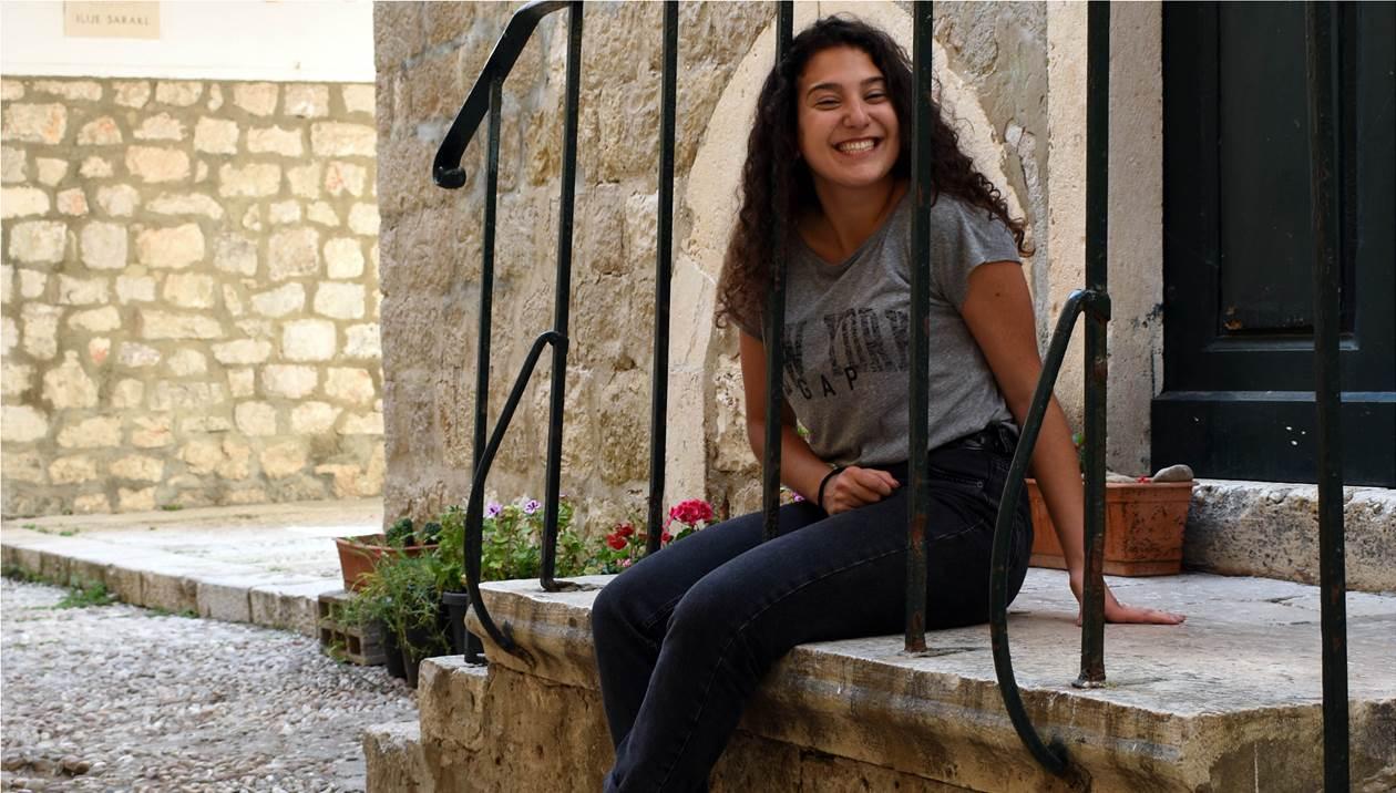 Πανελλήνιες: Η Λίλα «έπιασε» 20,4 και έκανε το όνειρο πραγματικότητα