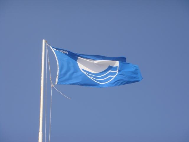 Αφαιρέθηκε η γαλάζια σημαία από παραλία της Κρήτης