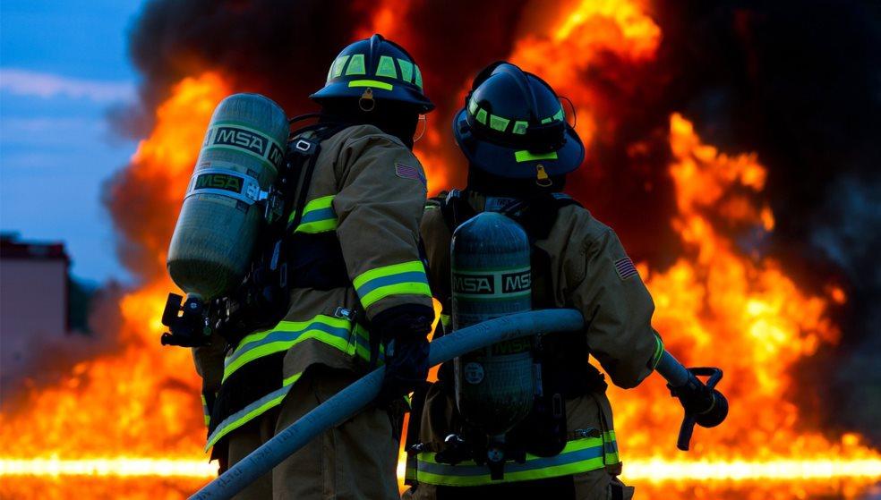 Ηράκλειο:Φωτιά σε μάντρα ανακύκλωσης αυτοκινήτων σε κατοικημένη περιοχή