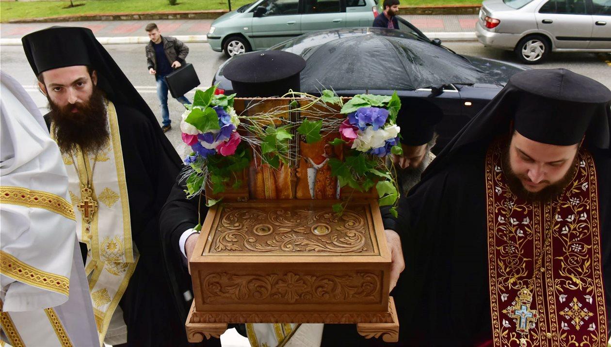 Ιερά Λείψανα των Αγίων Κωνσταντίνου και Ελένης υποδέχεται το Ηράκλειο