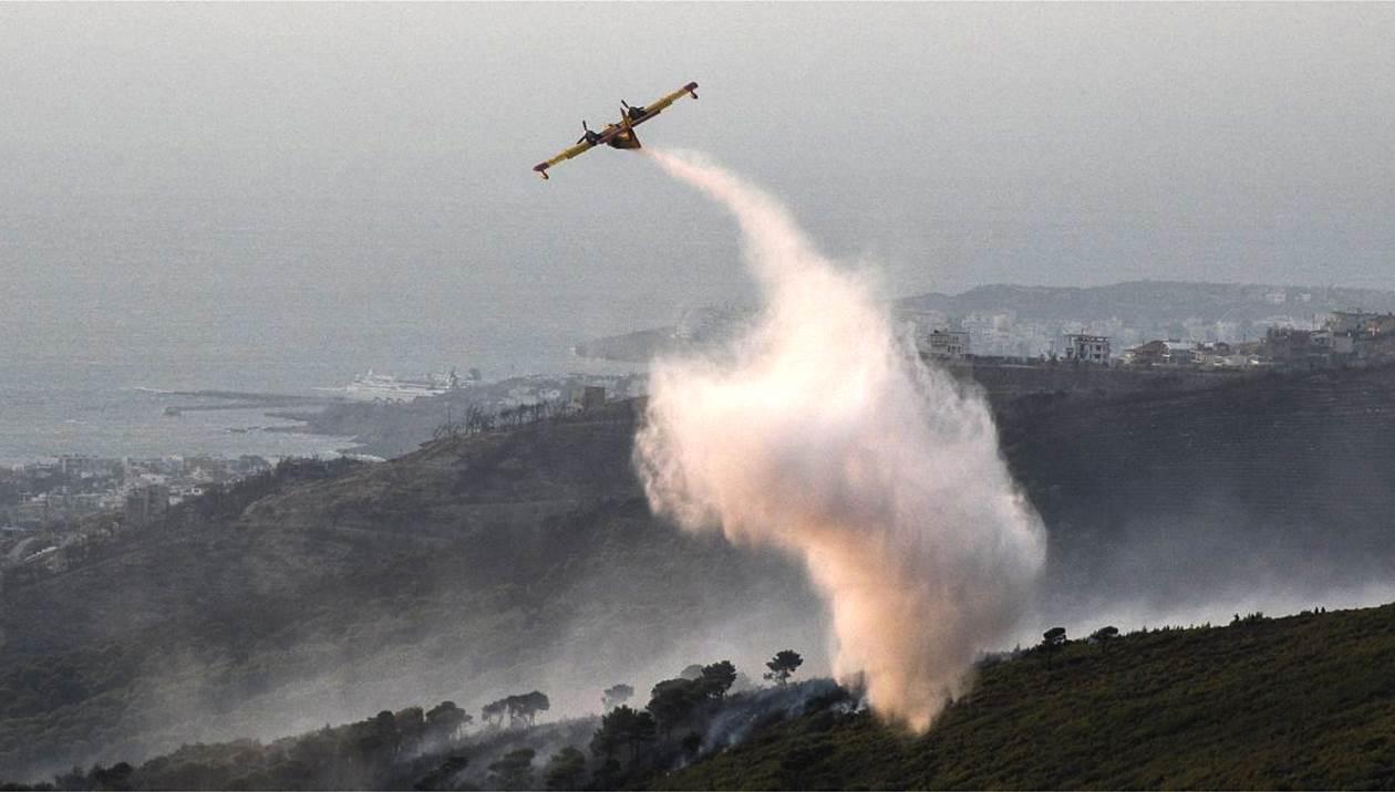 Μεγάλη φωτιά στη Ζάκυνθο - Εκκενώθηκε το χωριό Κερί