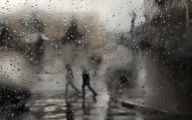 Έρχεται το πιο άστατο τριήμερο με βροχές, καταιγίδες και... υψηλές θερμοκρασίες